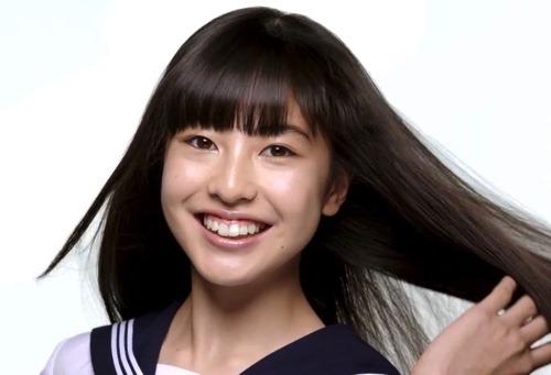 平塚麗奈のwiki風プロフィール!中学や彼氏とパンテーンCMが気になる!