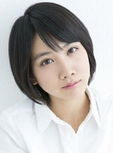 グリコビーフカレーLEE(リー)CM出演の女性は誰?名前は松本穂香!